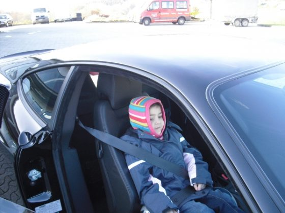 Fahrt im Ferrari: Ein großer Wunsch unserer kleinen Madita wurde von Heiko Hermes, vom Autohaus Hermes erfüllt.