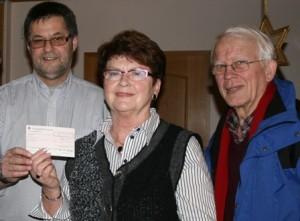 Ehepaar Geilenkirchen spendet an Kinderkrebshilfe Gieleroth 1.750 Euro