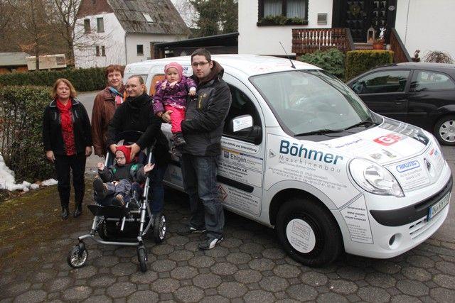 Kinderkrebshilfe Gieleroth übergibt Fahrzeug