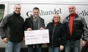 Glashandel Uwe Uellenberg spendet 1.500 Euro an Kinderkrebshilfe