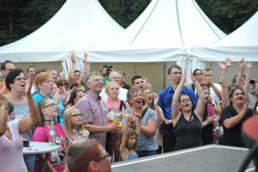 Sommerfest 2015 in Berod unter dem Motto: Die Welt ist bund - Freunde der Kinderkrebshilfe Gieleroth e.V.
