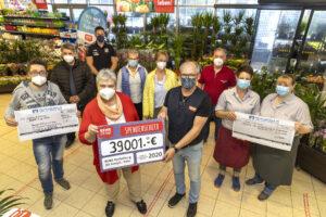 Scheckübergabe im Rewe MArkt Hachenburg